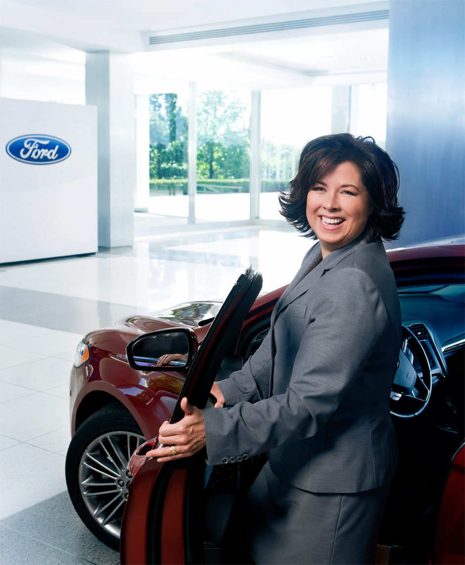 detroit-corporate-portrait-sheryl-connelly-ford-motor-futurist-photographer-scott-stewart