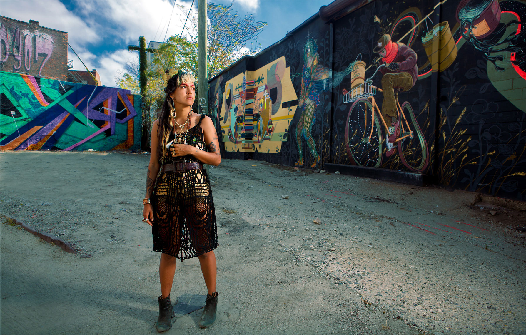 detroit-environmental-portrait-of-artist-monica-canilao-photographer-scott-stewart