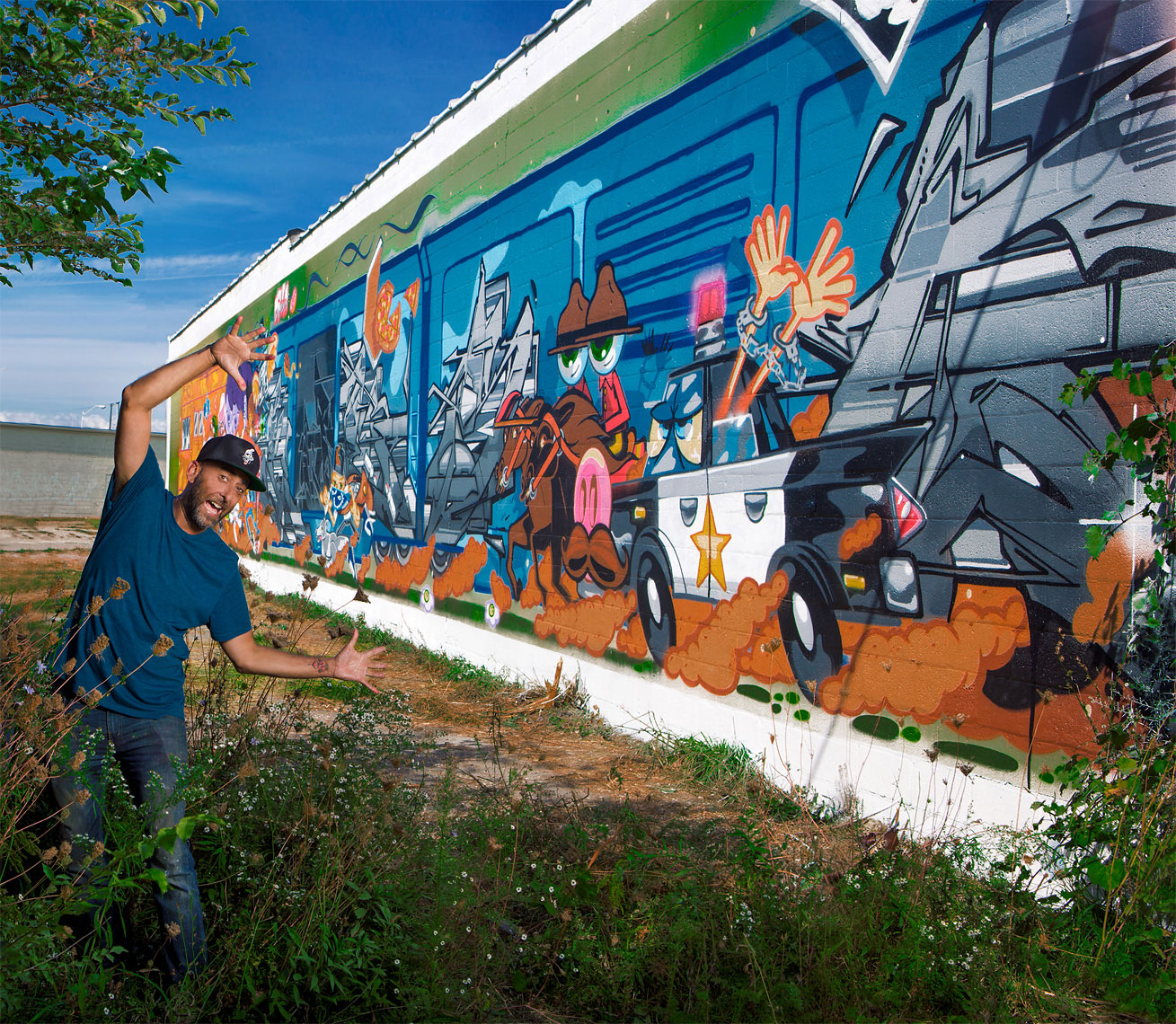 detroit-environmental-artist-portrait-of-muralist-persue-scott-stewart-phototographer