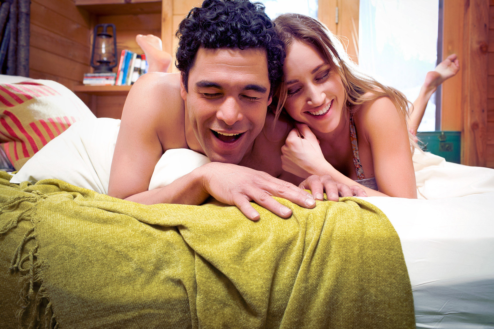 detroit-lifestyle-photographer-scott-stewart-portrait-of-couple-laughing-in-bedroom
