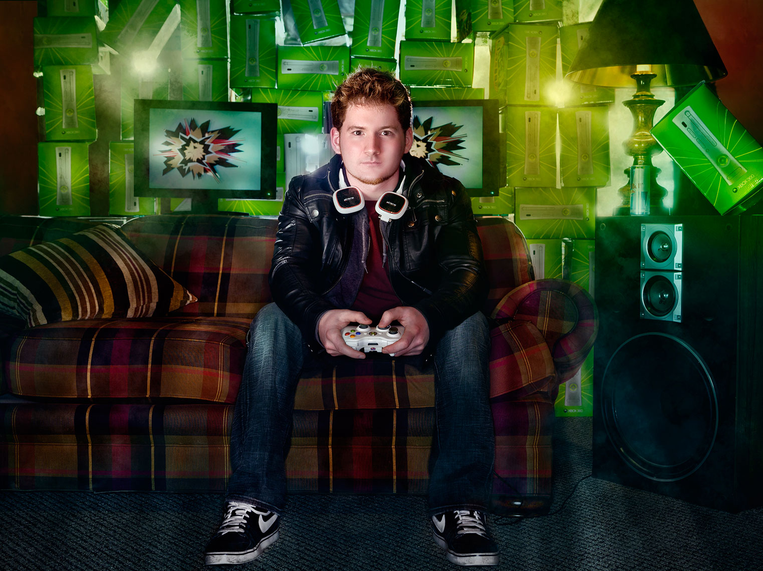 lifestyle-portrait-of-eastern-michigan-student-gamer-zachery-ann-arbor-editorial-photographer-scott-stewart